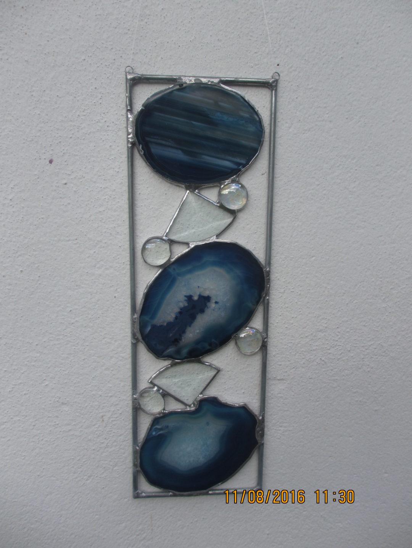 Fensterbild aus Glas, Achat und Metall